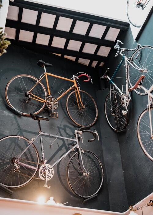 LBC - La Bicicleta Café à Castellón, Espagne, est une cafétéria atypique